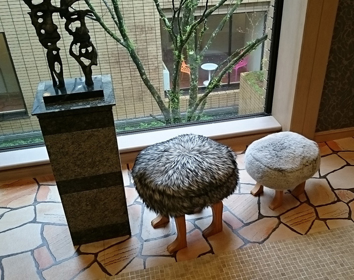 DSC_0213_ルチアエントランス椅子_FB.jpg